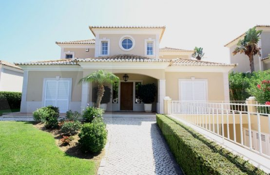 5 bedroom villa in Varandas do Lago